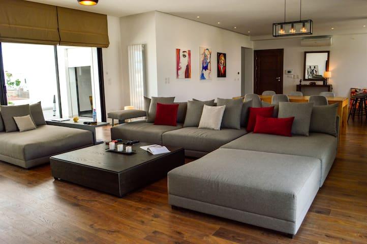 COSY S2 LOFT @ La Soukra 250 m2
