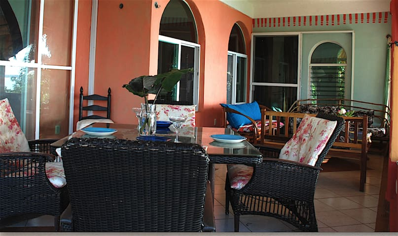 Bacalar, Mx Private House on the water /Sleeps 5 - Casa