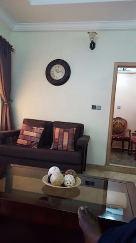 3 bedroom fully furnished apartment - Accra - Apartamento