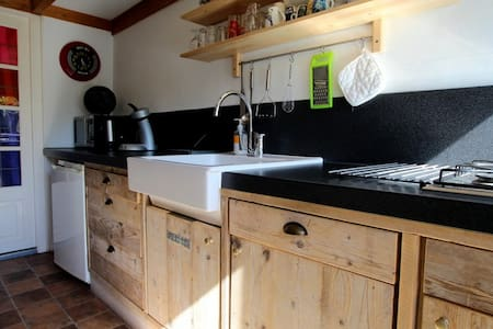 Knus vakantiehuisje in een Schapenboet op Texel - Den Burg - Cabin