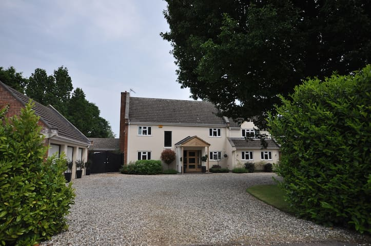 Contemporary private apartment, nr Silverstone - Whittlebury - Appartement