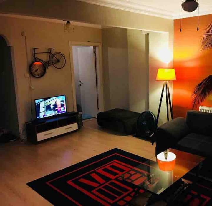 Moda Bahariye street great location 1 BR Boğa 1dk