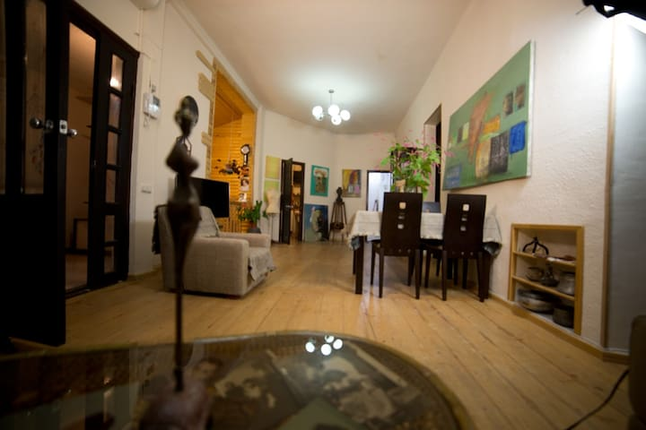 3 Bedroom House - Yerevan - Casa