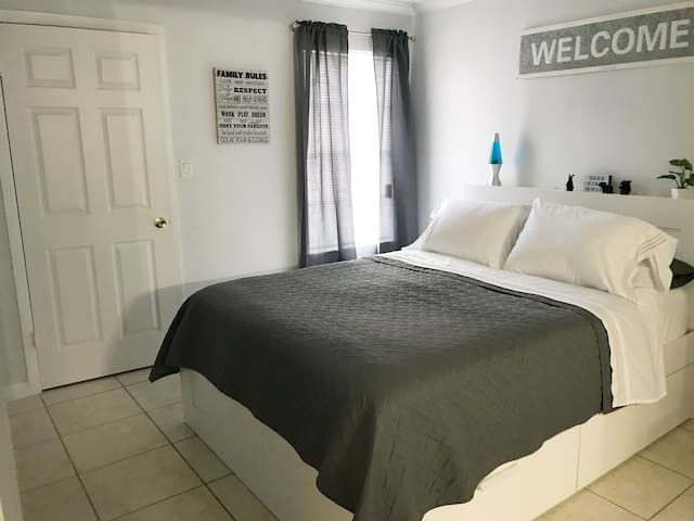 Cozy 1/BR Apartment by MCO Airport TRUE Hidden Gem