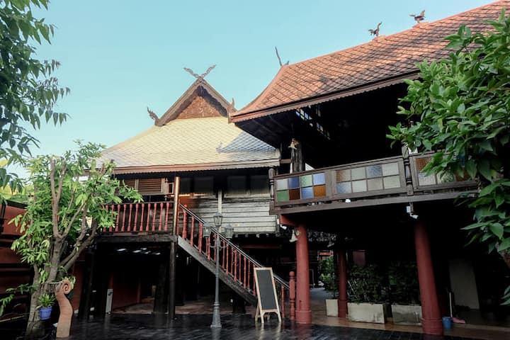 5BC, Timeless House At DONPIN8 near Airport 9 PAX