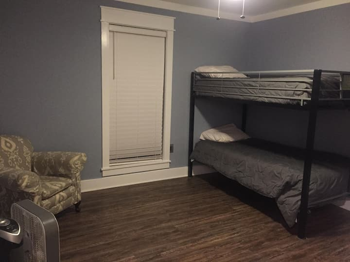 Newly remodeled~~The Deerwood Place~~Room 2