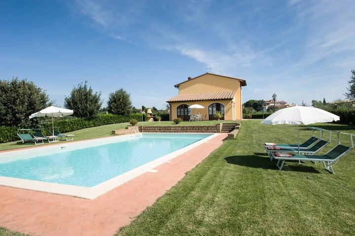 ALL INCLUSIVE villa for 5 with private pool