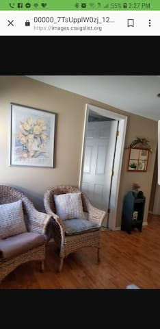 Charming room in a desirable area Metuchen