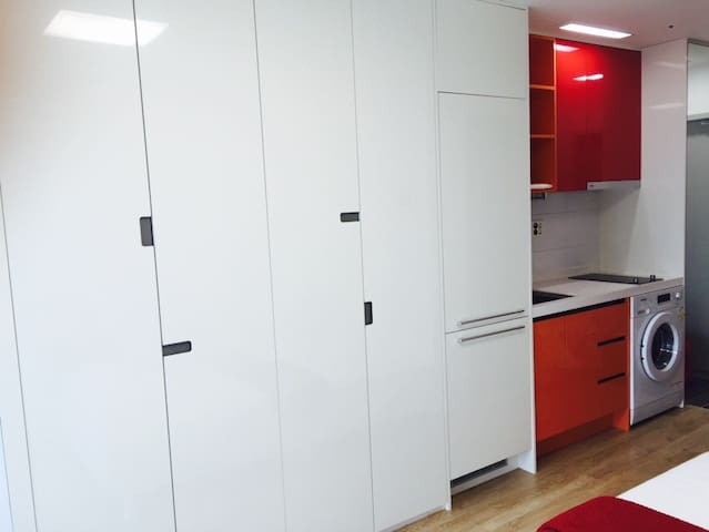 New!Central 15min,Mountain view,1min Metro3&6 - Eunpyeong-gu - Apartament