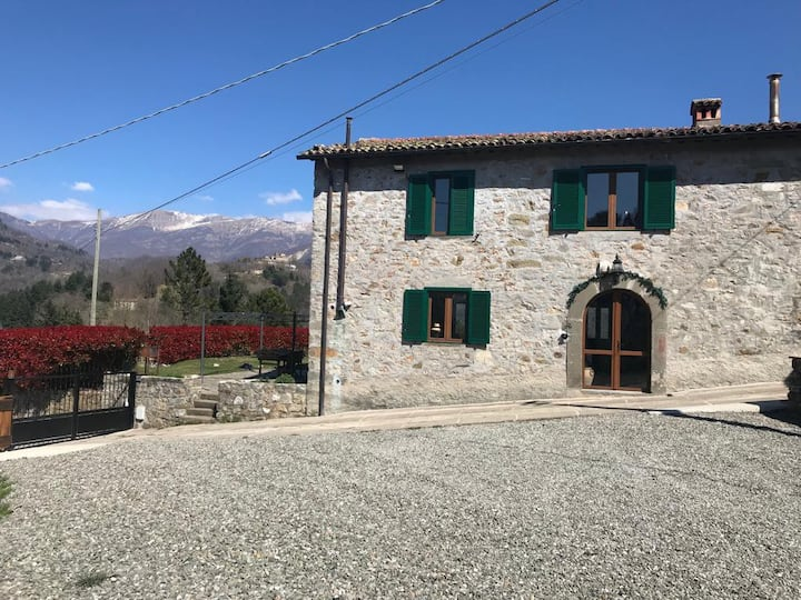 Rustico with incredible mountain views.