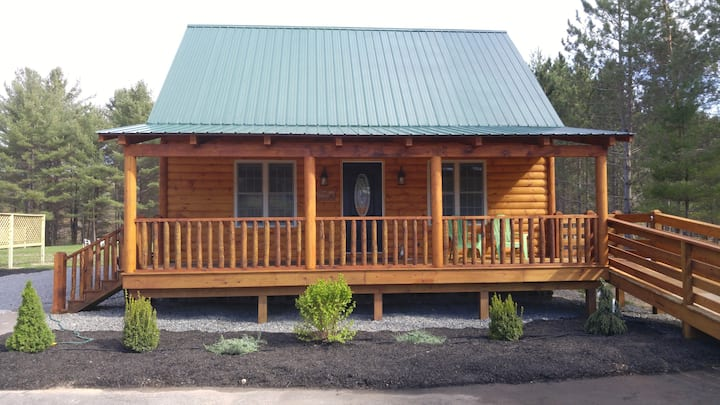 The Yogi, Dog-friendly Cabin on Lake Algonquin!