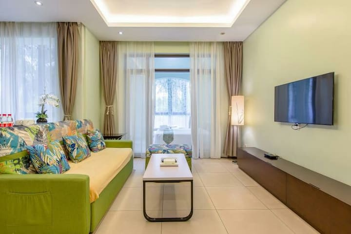 亚龙湾公主郡二期豪华园景温馨2居室带沙发床及儿童用品