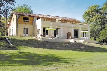 3 Bedrooms Home in La Barde #1 - La Barde
