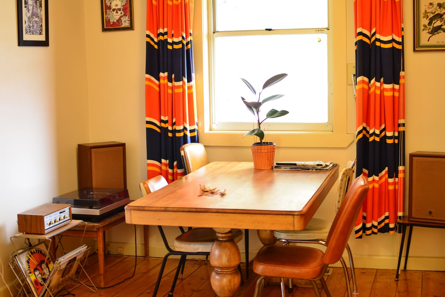 Dining table & record player!