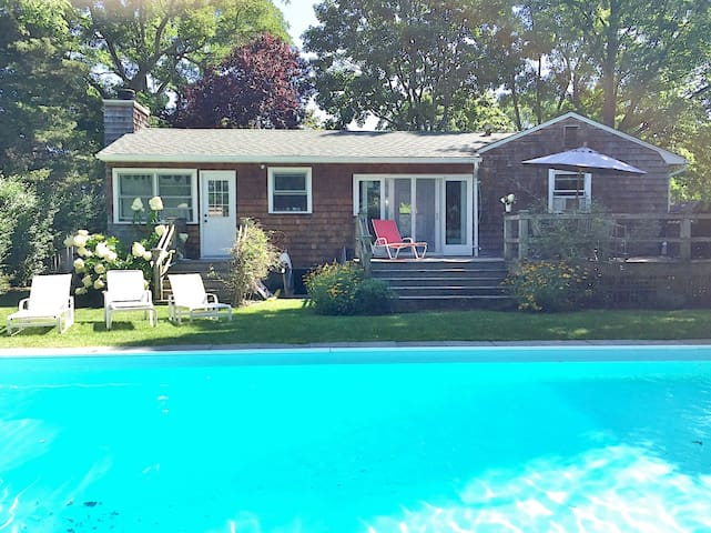 POOL * GET YOUR RELAX ON * FAB SAG HARBOR COTTAGE
