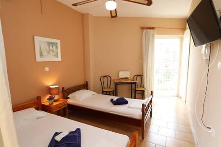 Villa Thomas A4