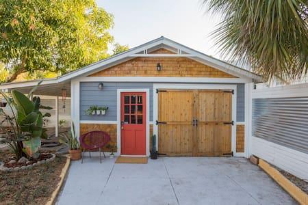 Ybor City Urban Tropical Oasis - Tampa - Casa de hóspedes