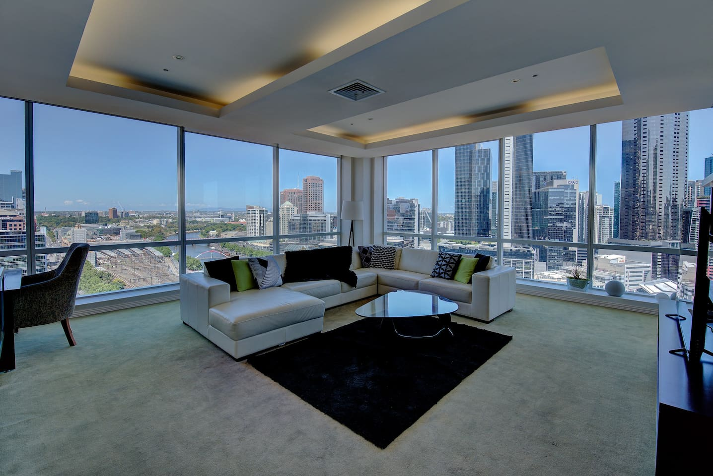 This lovely penthouse has arguably the best views in Melbourne!!