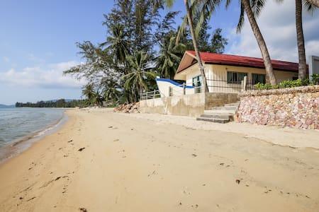 BH: 2 спальный дом на берегу моря - Остров Самуи