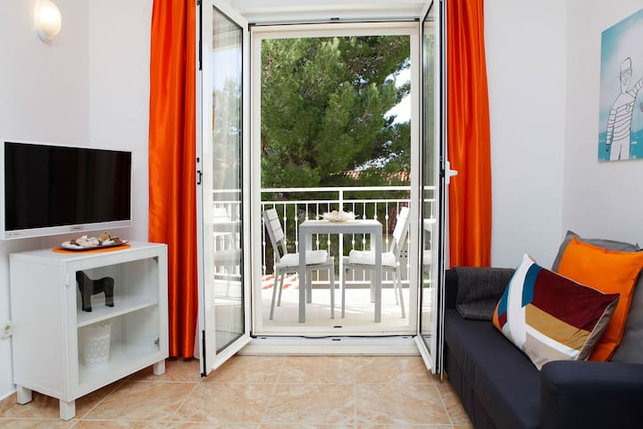 Bright apartment for 2 - 100m from beach - Adria 3