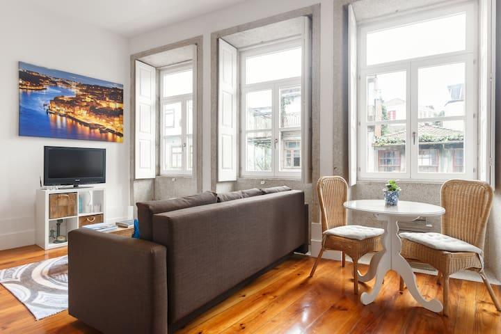 Cozy loft in center close to metro - Porto - Daire