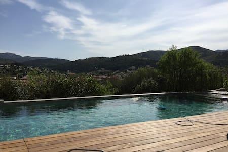 RdC de villa avec piscine proche de Marseille - Allauch