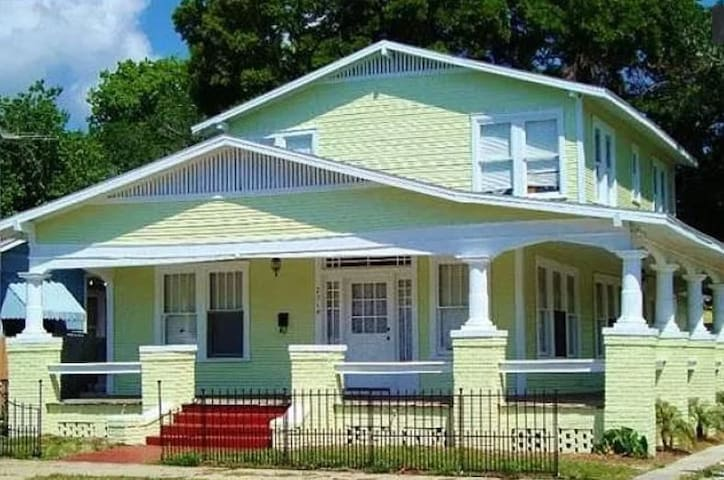 Ybor City Furnished Corporate House 30 nights Min