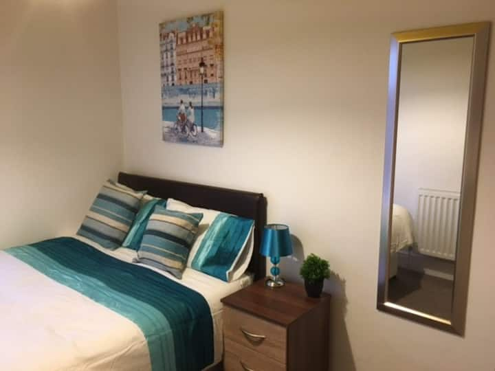 Townhouse @ Minshull New Road Crewe -Double Room 2