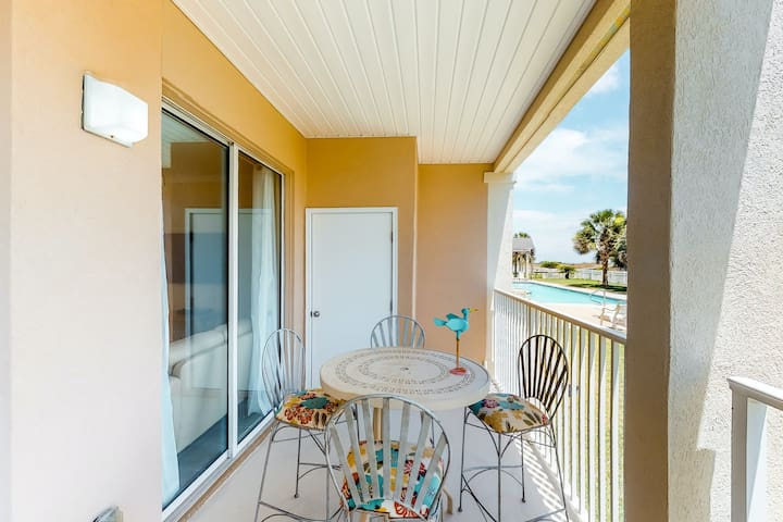 NEW LISTING! Adorable condo w/ private balcony, shared pool, & gulf views!