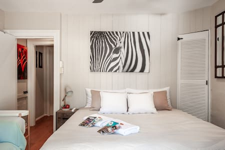 Sydney Central, King bed&big roof terrace in house