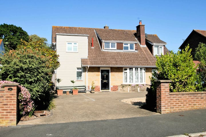 Double or Twin E/S. Parking. Self Contained. Cowes