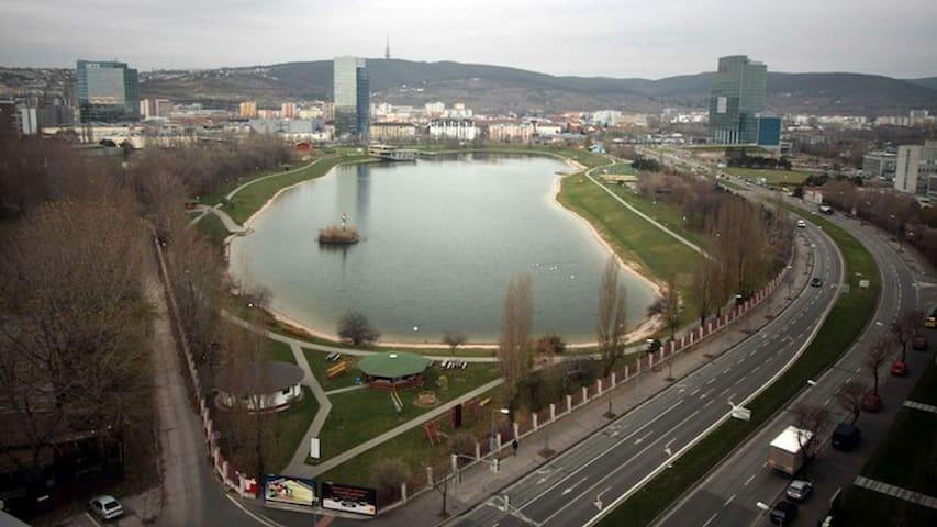 Luxusný dvojizbový byt blízko centra Bratislavy - Bratislava - Apartamento