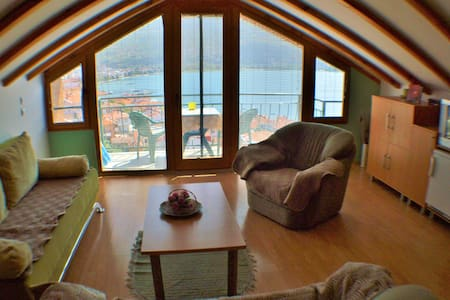 Villa Ohrid-Yellow apartment in the old town - Ohrid