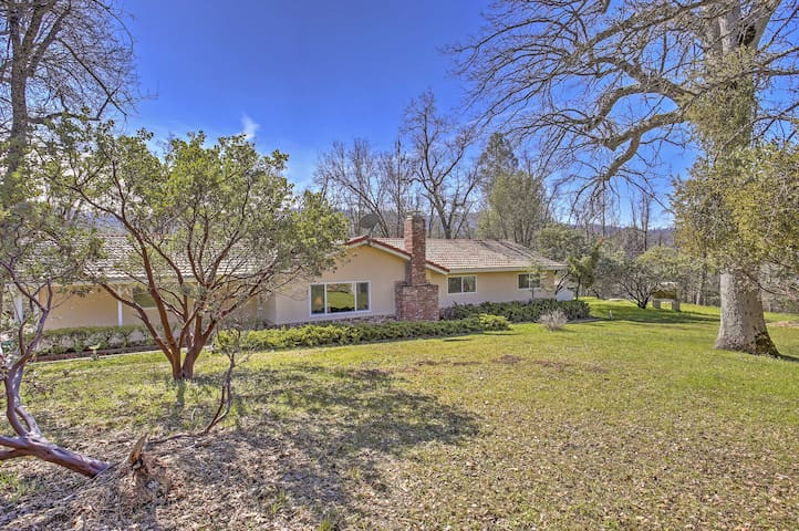 NEW! 3BR Coarsegold Home w/ Wooded Acreage!