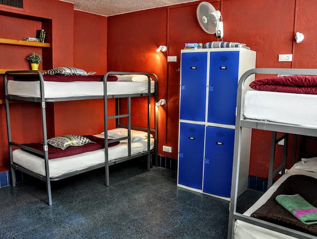 6 Bed Mixed Dormitory