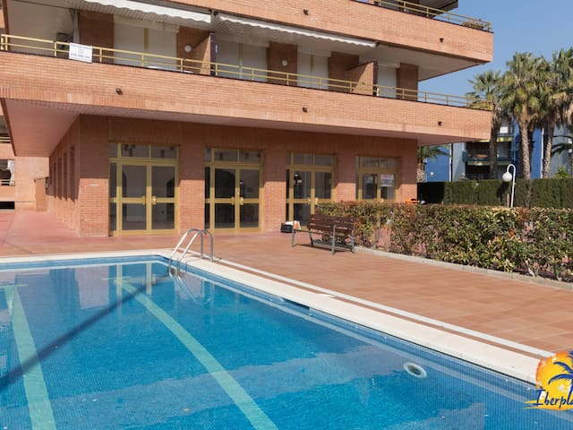 Nice semi-renovated apartment for 6 people in Vilafortuny (Cambrils).