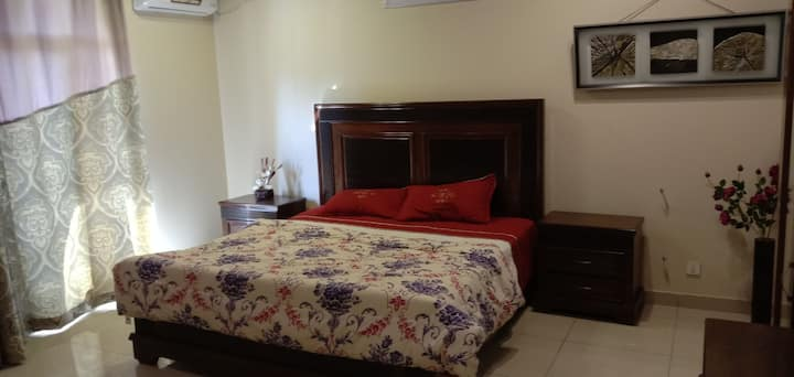 3 Bed luxury Furnished Appartment. For Rent