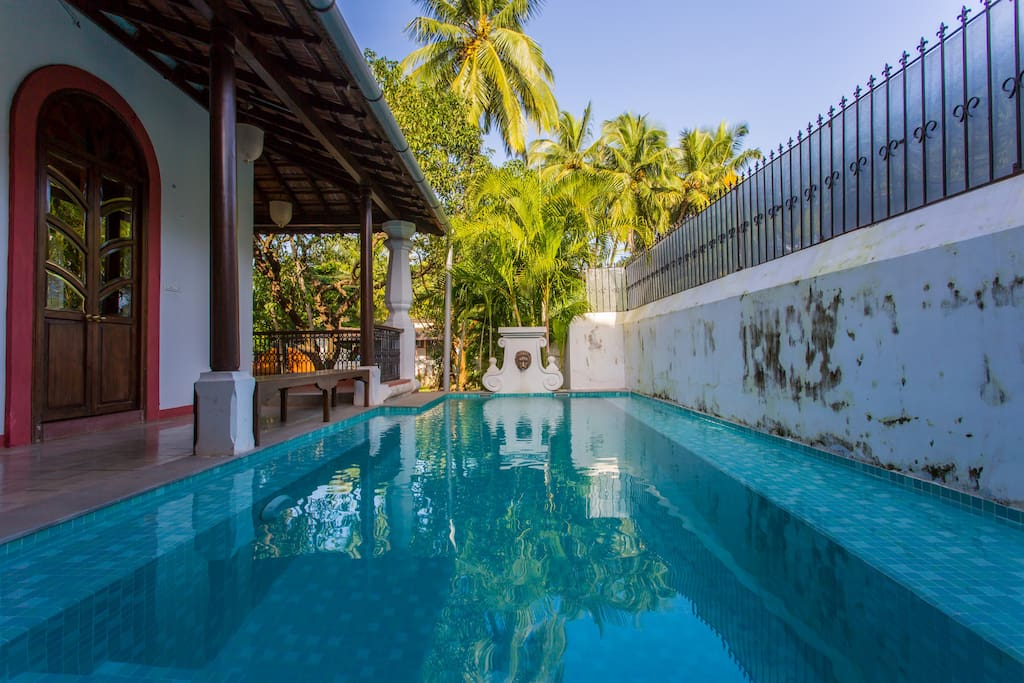 Four bedroom villa with private swimming pool houses for rent in guirim goa india for Guest house in goa with swimming pool