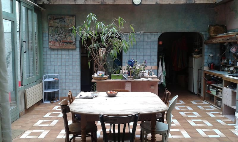 Chambre dans une belle demeure proche de Paris - Le Kremlin-Bicêtre - House