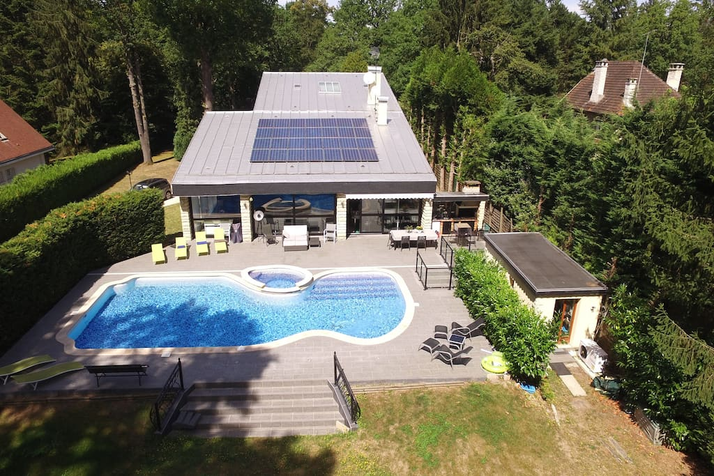 paris 30 km 20mn par rer villa 350 m piscine maisons louer lamorlaye picardie france. Black Bedroom Furniture Sets. Home Design Ideas