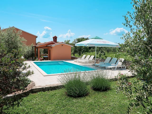 Holiday Apartment Rosa for 4 persons in Labin