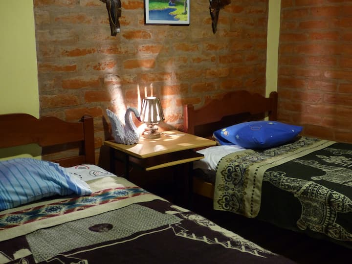 Hostel La  Casa Amarilla City