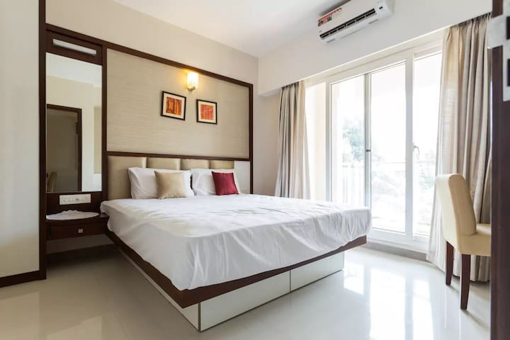 D'homz Suits, Peaceful stay at Panampilly Nagar.