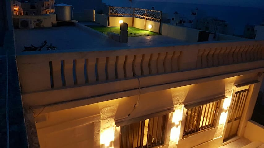 Seaview Apartment with free WIFI