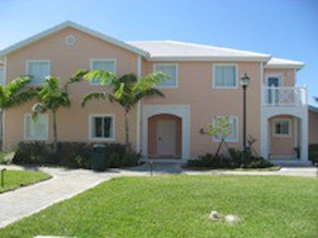 Low Cost Ocean View 3 bed/3 bath in Bimini Bay
