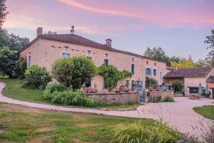 Cottage 4* - Moulin de Saint-Avit 22 people