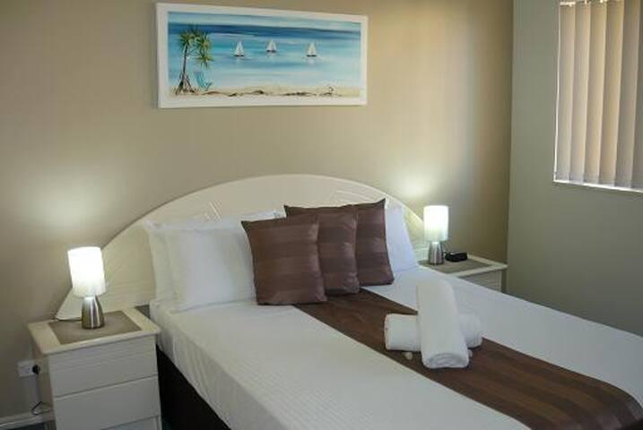 Unit 12 (sleeps 6) master bedroom