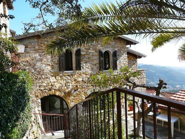 Villa rustico ben arredata vista mare e giardino - Diano Arentino - Casa