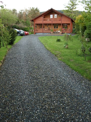 Beautiful chalet in the Dublin Mountain foothills - Kilternan - Bungalo