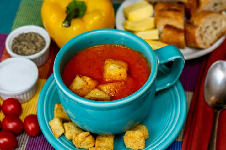 Roasted tomato & roasted red pepper soup